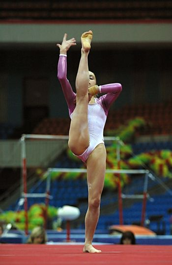 The gymnast with a shell