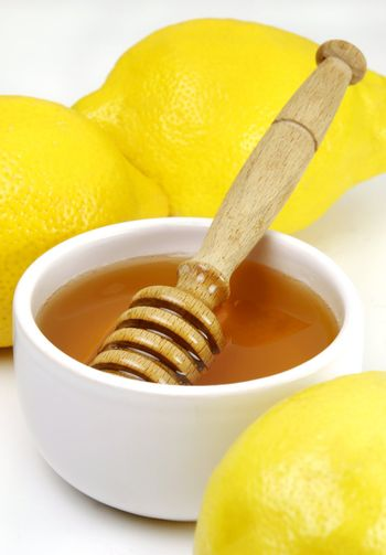 Honey and lemons, a traditional cold remedy