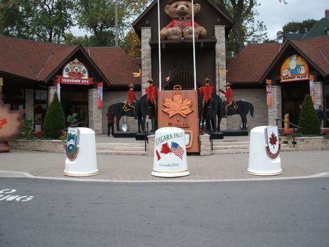 tourist information booth Niagara Falls