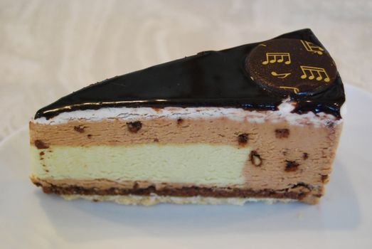 Mozart cake with choklate and pistage