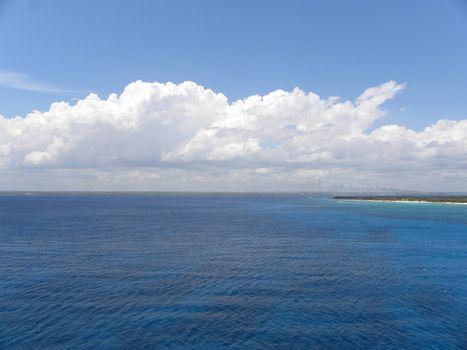 veduduta of a stretch of Caribbean Sea