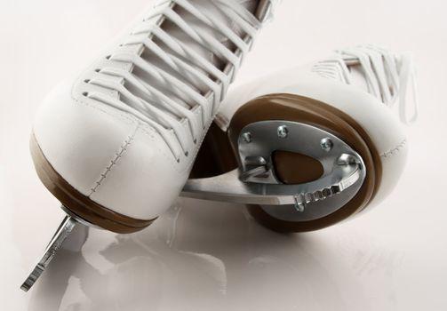 Blades of figure skates