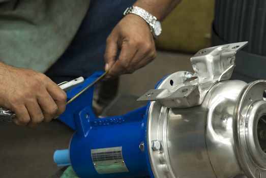 Measuring industrial component