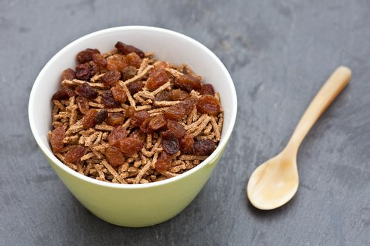 Bran breakfast cereal with sultanas