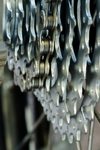 Cassette with chain