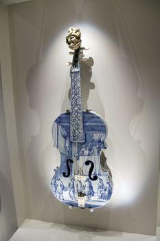 ceramics violin