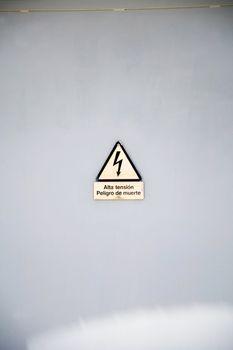 danger high tension