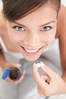 Pills / vitamins woman