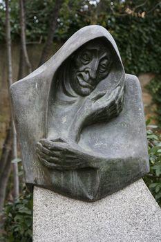 witch sculpture