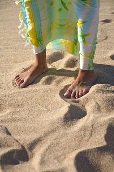 feet and beach wrap