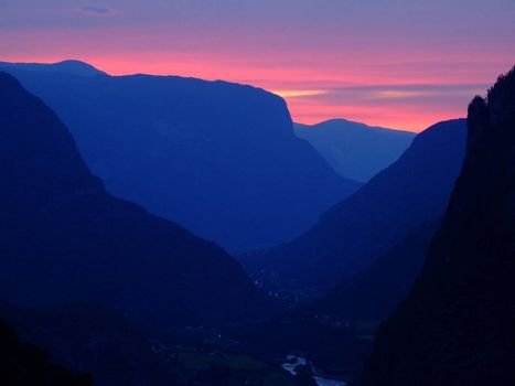 Sunset in the norwegian mountains