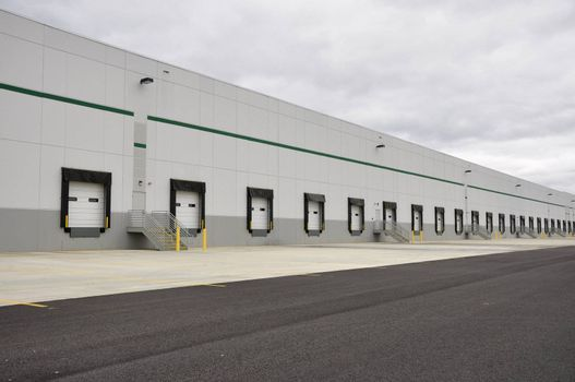 many loading docks for a large warehouse