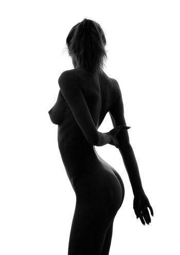 classical black and white nude girl silhouette image