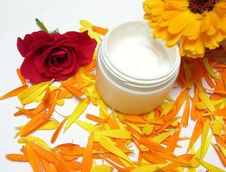Hand-made beauty cream with flowers (rose and calendula)