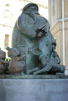 statue of Giles' grandma in ipswich suffolk