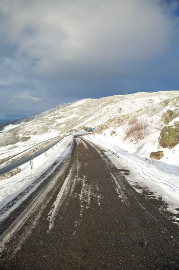 road right to snow