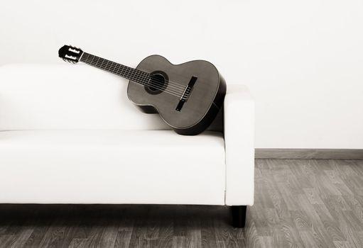 Solitude guitar