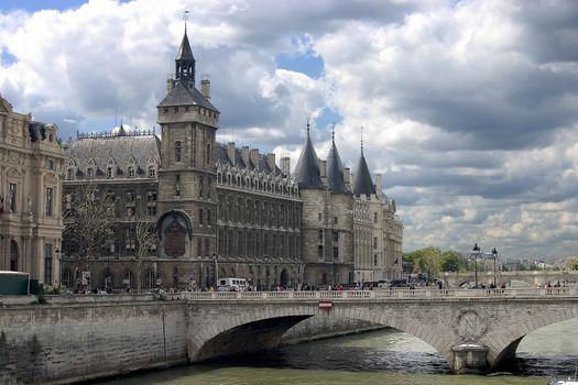 Paris monuments - Palais de Justice