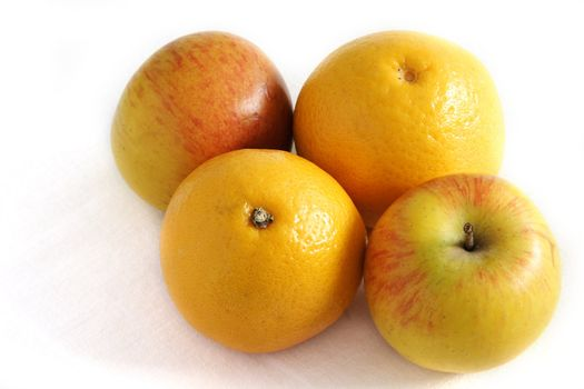 four fresh apples and oranges two of each