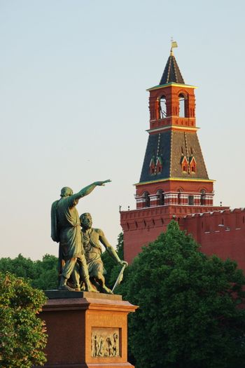 Monument of Mininu and Pozharsky against the Moscow Kremlin