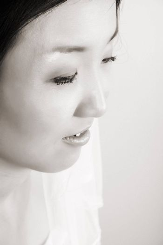 Close up of beautiful Korean bride with veil