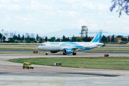 ClickAir arriving at Valencia Airport