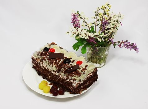 cake with fruits and flowers