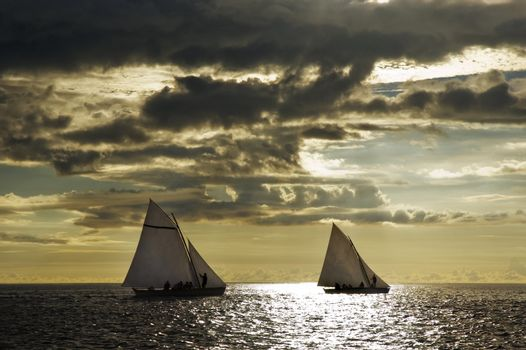 Boat race in open sea