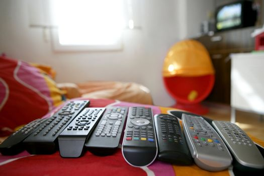 many remote control for only one house