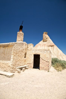 hut at the desert