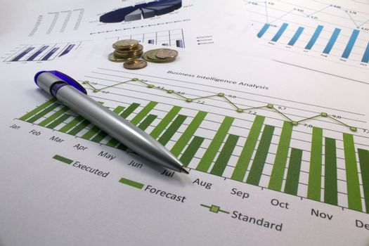 Pen over a business inteligency analisys graph