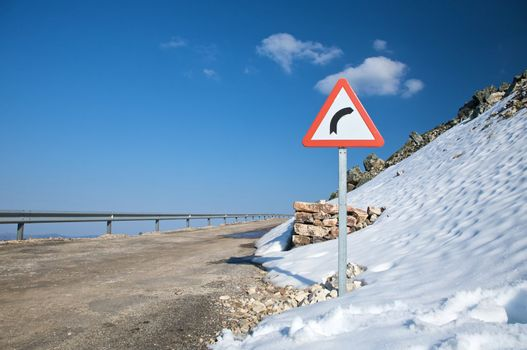 danger curve and snow