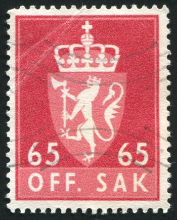 NORWAY - CIRCA 1968: stamp printed by Norway, shows Norway Coat of Arms, circa 1968