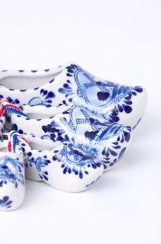 Porcelain clogs
