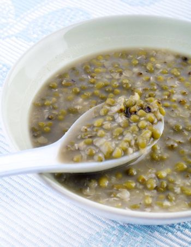 A traditional Chinese dessert Mung Bean Sweet Soup
