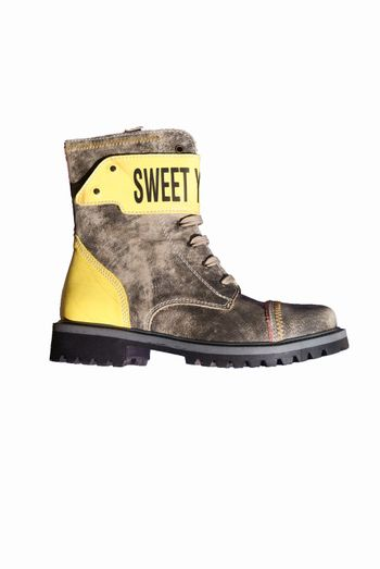 the autumnal leather boots yellow and strong