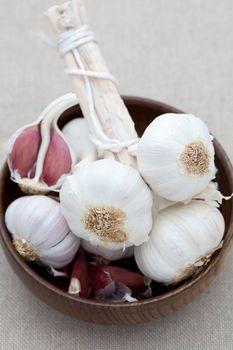 Dish of fresh garlic