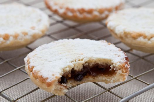 Short crust pastry mince pies