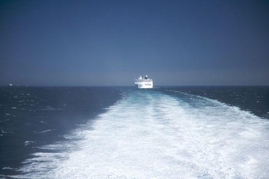 wake to the cruise