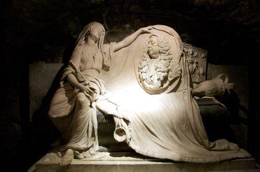 sculpture of couple