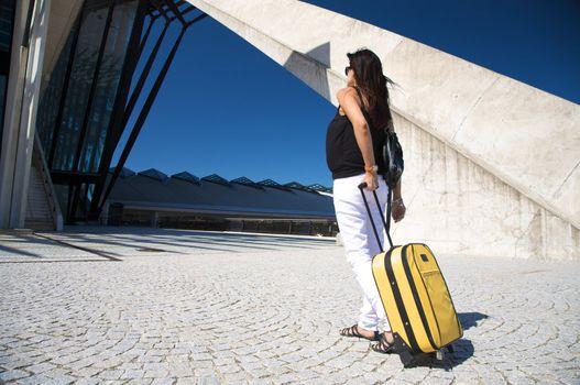 pregnant traveller