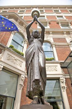 egyptian woman sculpture