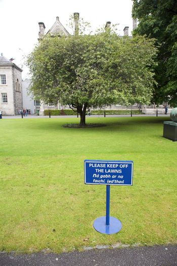 keep off the lawns