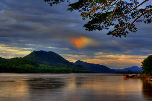 A phenomena called Sundog took place over the Mekong river, Luang Prabang