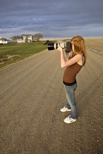 Young Girl Lanscape Photographer