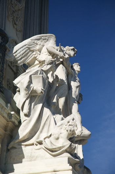 angel sculpture monument in Madrid