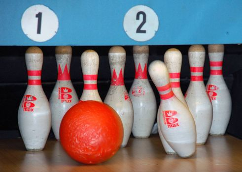 The nice game of bowling