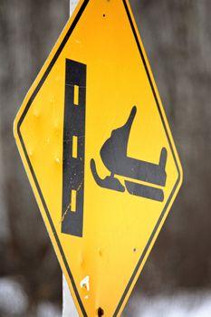 Skidoo crossing sign