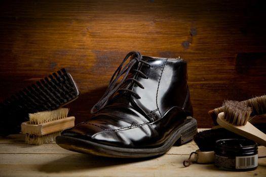 Shoe polishing tools