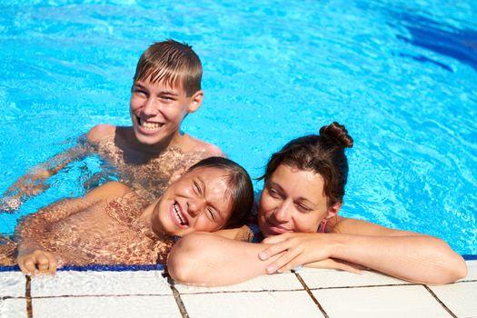 Happy Family Pool